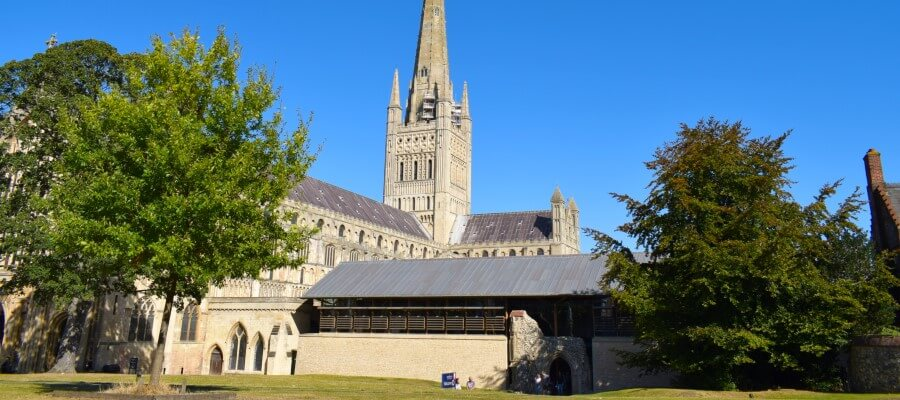 Explore Your Camera Part 1 - Get off Auto in Norwich Cathedral, Norfolk